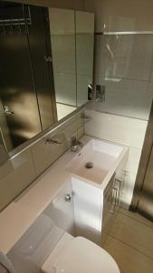 bathroom-1-after-4
