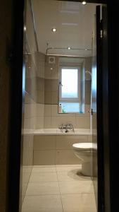 bathroom-1-after-6