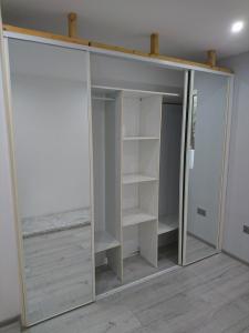 17.-b3-built-in-wardrobe-2