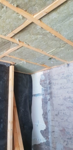05.-lr-timber-frames-to-walls-and-ceiling-75mm-rockwool-with-vapour-barier-and-dpm-membrane-to-the-sides-3