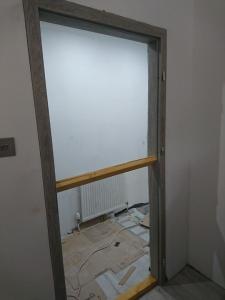 13.-lr-door-installation-3
